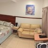 Deluxe Queen Room with Kitchenette with Continental Breakfast