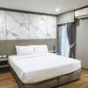 Lower Floor Suite-1 King Bed